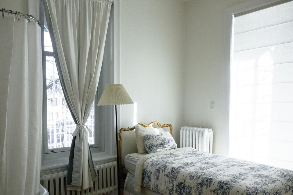 bedroom-690129_960_720