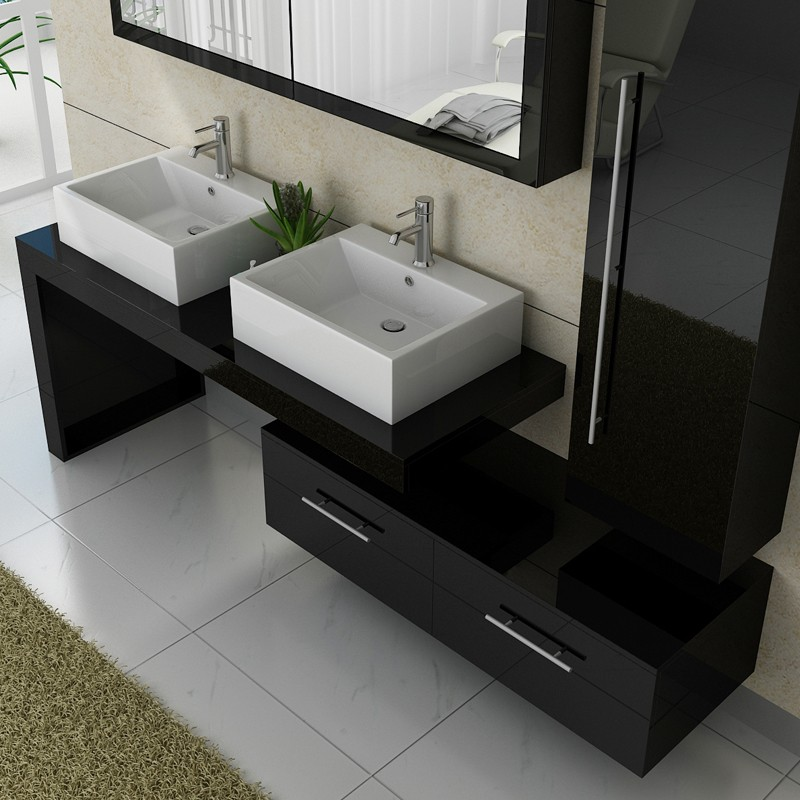 une salle de bain petite mais fonctionnelle d co en ligne. Black Bedroom Furniture Sets. Home Design Ideas